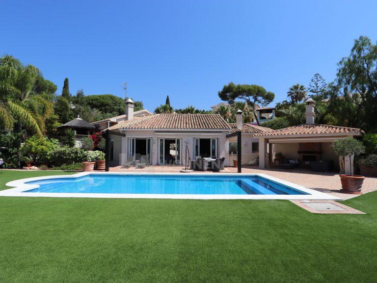 Exceptional Mediterranean villa with sea views
