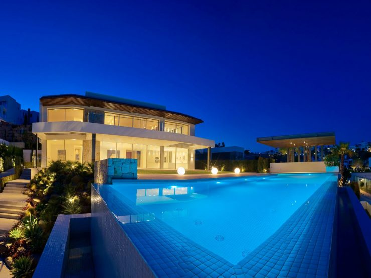 Exclusive villa with modern architecture