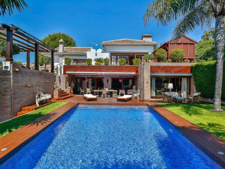 Elegant property situated in the upmarket area of Hacienda Las Chapas