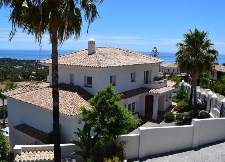 Villa with fantastic views