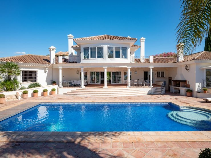 Great south orientated villa with sea views