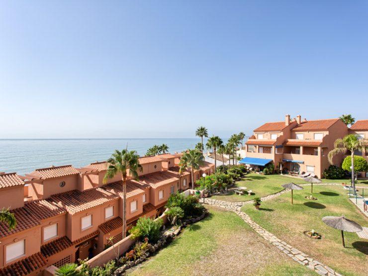 Duplex penthouse with sea views