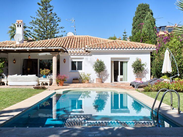 Cozy villa on one level beach side