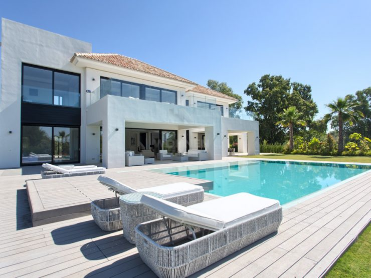 Spacious new built contemporary villa located in a quiet residential area close to the beach