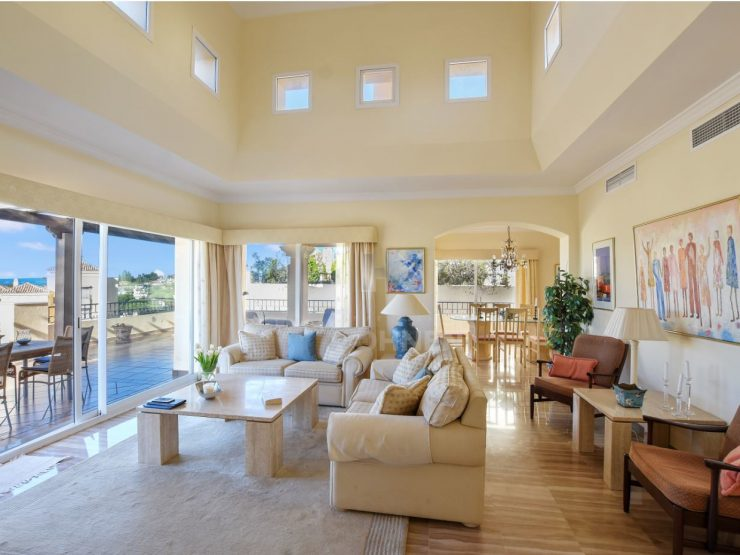 Extraordinary and luminous penthouse