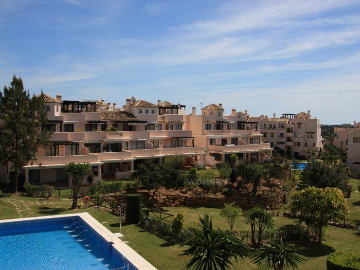 Lovely apartment in Santa María Golf, Elviria with beautiful views