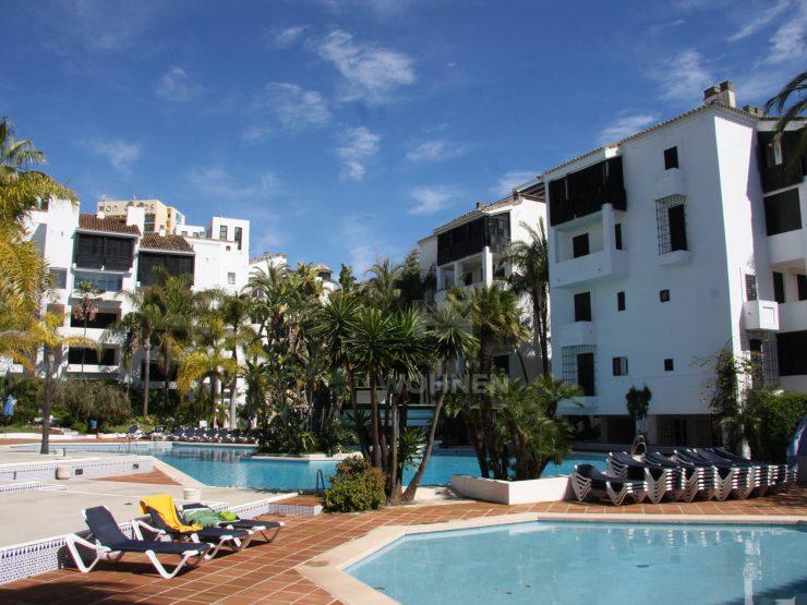 Fantastic apartment on the top floor in Elviria next to Hotel Don Carlos