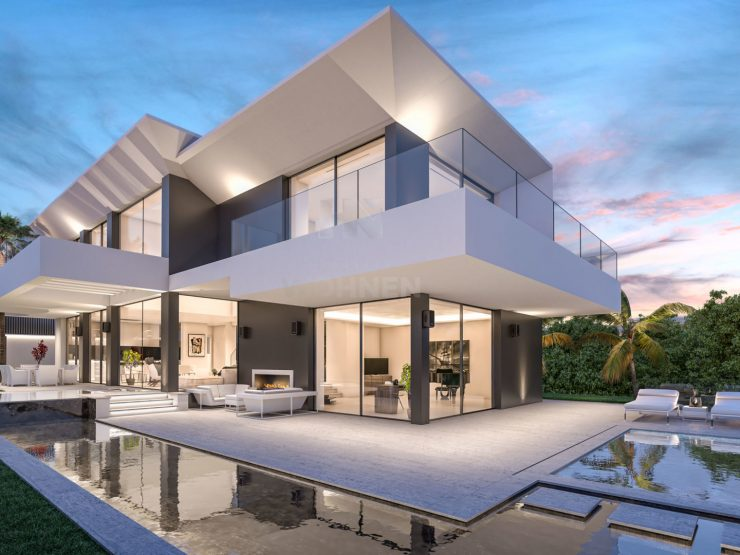 Luxury villa located in the prestigious urbanization