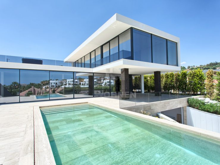 Contemporary villa built to the highest standards