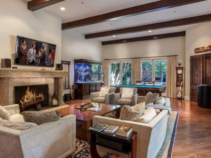 REAL ESTATE – Charlie Sheen lowers a million and a half his mansion in Beverly Hills