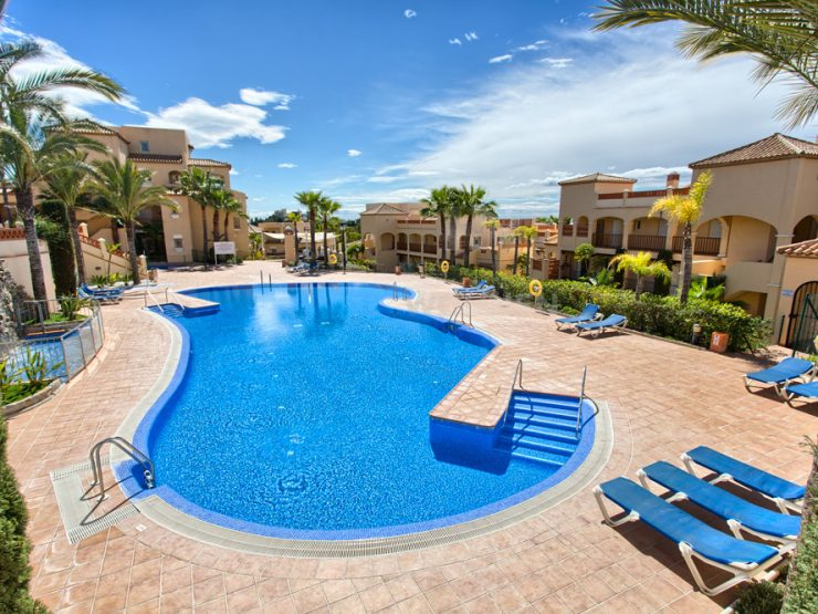 Spacious duplex penthouse frontline Atalaya Golf with sea views