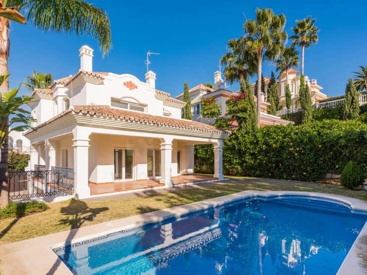 Luxury villa for sale with beautiful views to the Guadalmina Golf Course