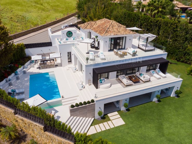 Modern villa with golf and sea views in Nueva Andalucia
