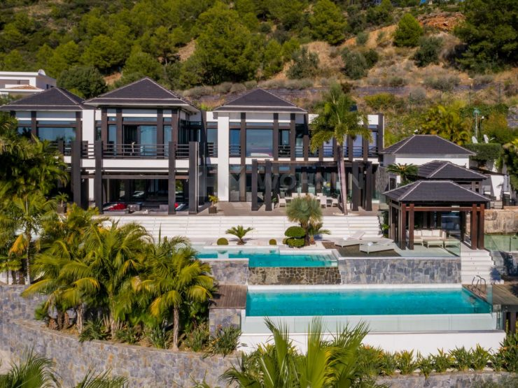 A truly unique property located in one of the sought-after residential areas of Marbella