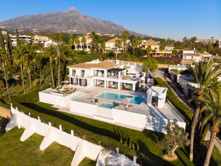 Luxury villa front line golf Los Naranjos