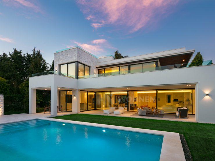 Spectacular new built contemporary villa in Guadalmina Baja