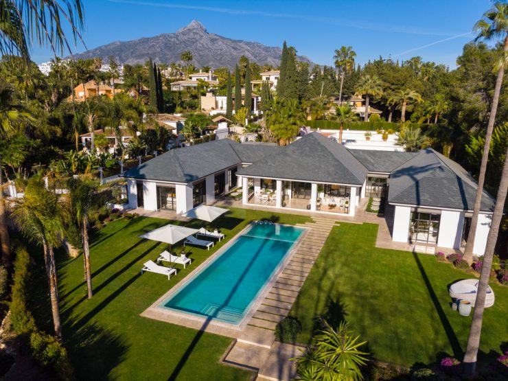 Spectacular villa located front line of the royal Las Brisas golf course in Marbella