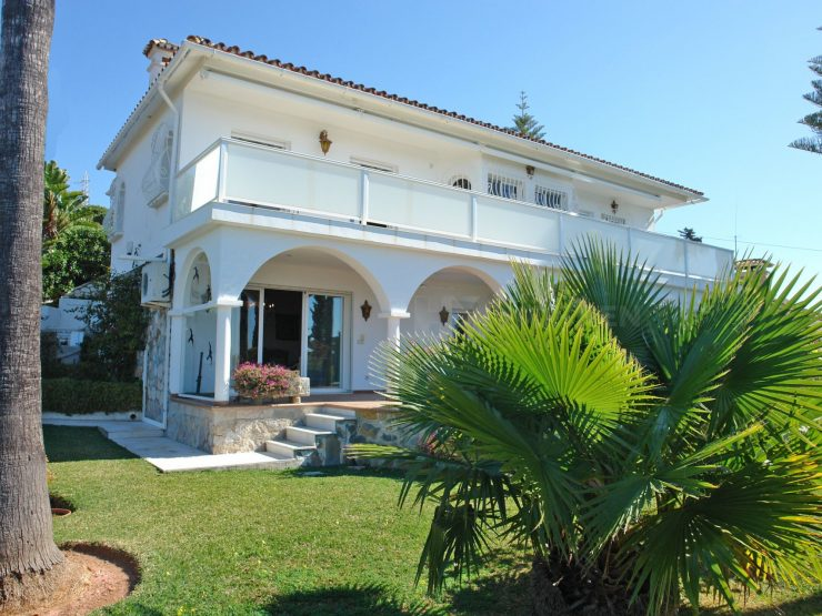 Unique Villa with panoramic views in Elviria Marbella