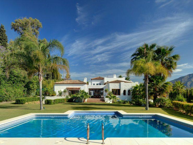 Absolutely stunning villa within walking distance of Puerto Banus
