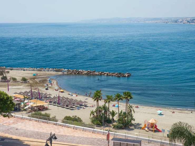 Apartment walking distance to the port of Estepona and the beach