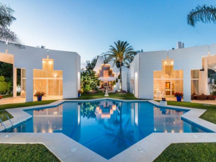 Contemporary Art Deco home with breathtaking sea views