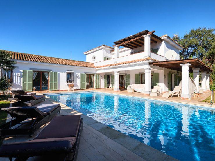 Traditional cozy quality villa in Sotogrande Costa