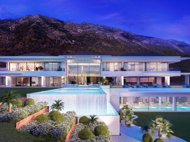 Contemporary villa with breathtaking views over Marbella and the Mediterranean