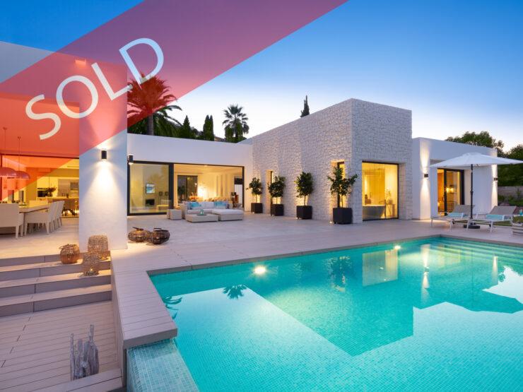 Stunning contemporary design Villa in Las Brisas Golf