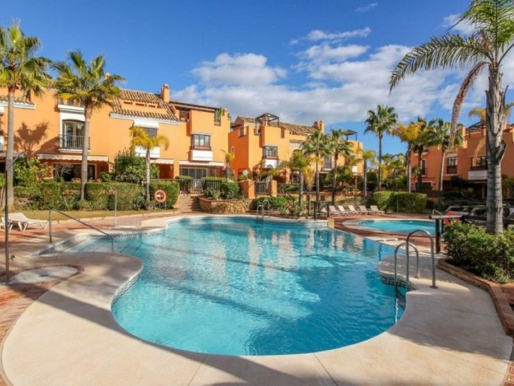 Townhouse located in a second line beach complex of Bahia de Marbella
