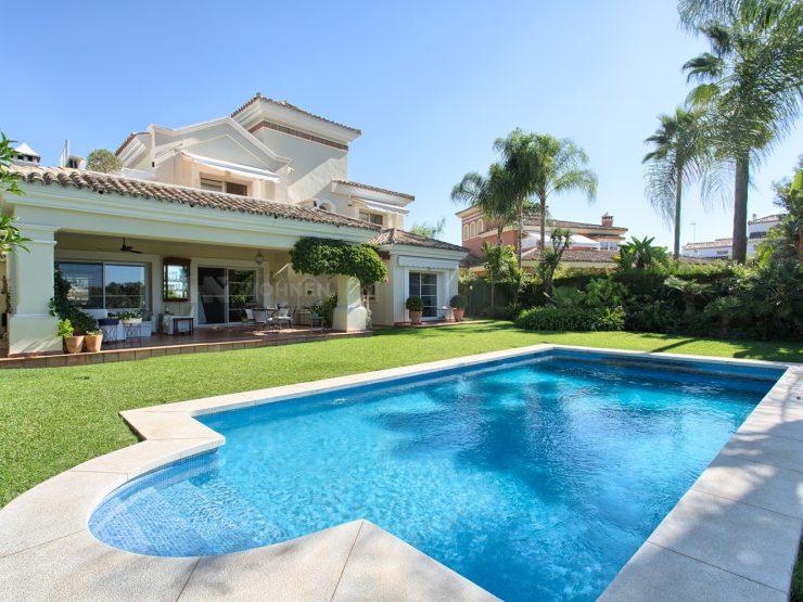 Beautifully located top quality villa frontline golf La Quinta