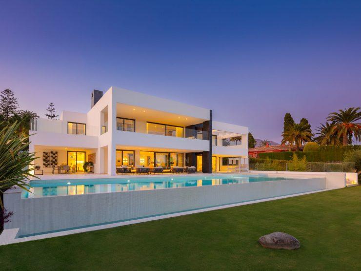 Brand new modern villa in the heart of La Cerquilla, Nueva Andalucia, Marbella