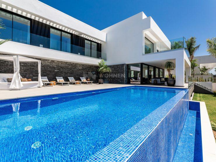 Modern villa in the Exclusive area of Los Flamingos Golf Resort