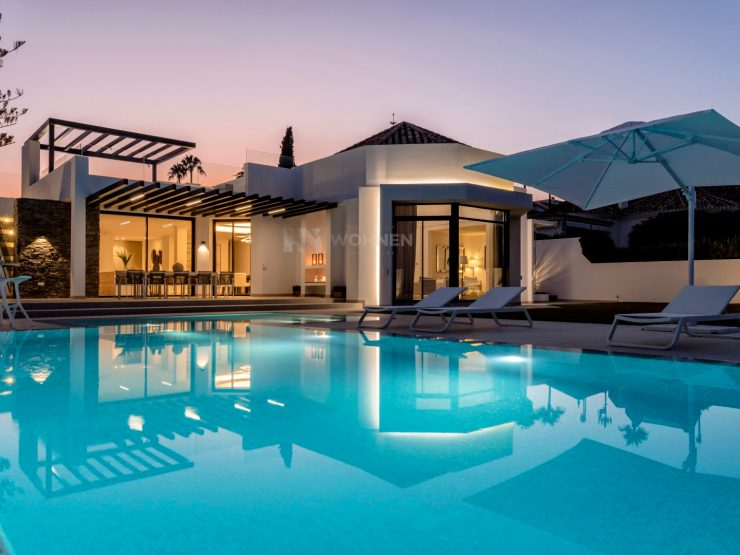 Ultra-modern villa in first line golf in the prestigious Aloha Golf Club, Marbella