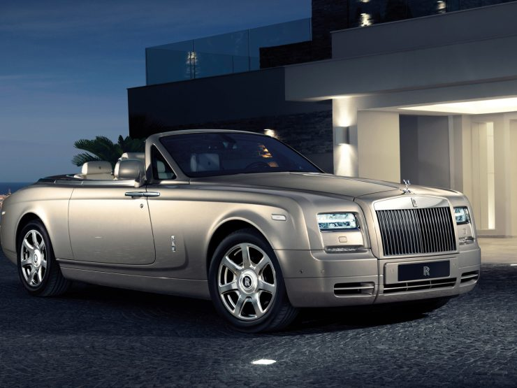 LIFESTYLE – Rolls Royce chose Marbella – Puerto Banús to present its most exclusive models