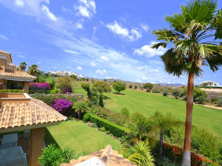 Big semi-detached house with sea views in Santa Clara Golf