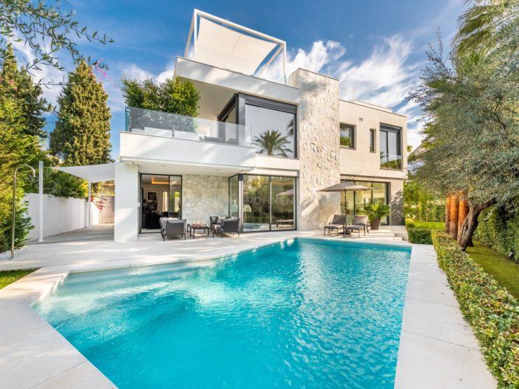 Contemporary beach villa in the Golden Mile. Near Marbella and Puerto Banús