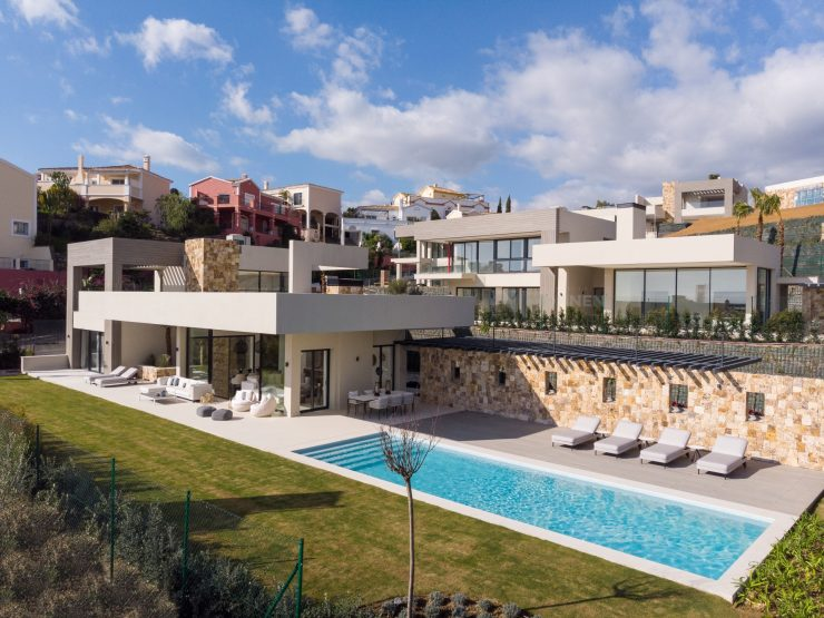 Development of 5 brand new luxury villas in Nueva Andalucia – Marbella