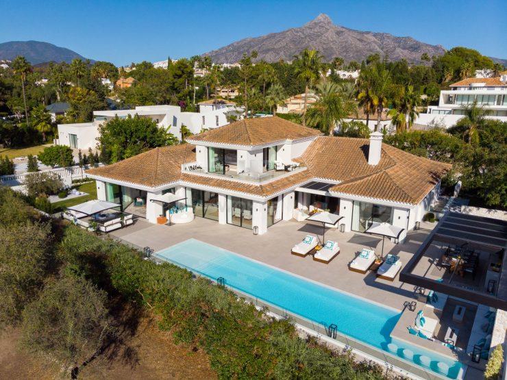 Stylish villa in a prime frontline golf position overlooking las Brisas Golf Course