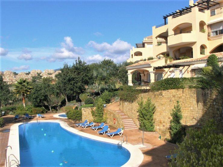 Luxury apartment in Elviria with sea views