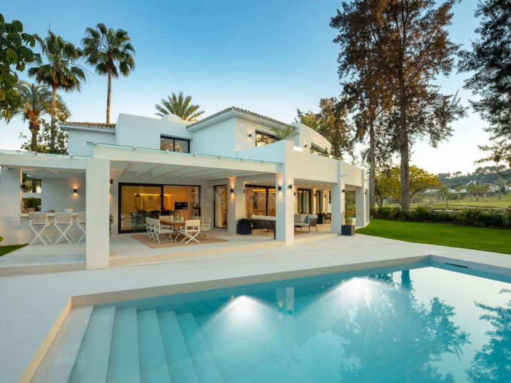 REAL ESTATE – MARBELLA – Property of the month August 2020 – Luxurious living on the golf course – modern single-family home