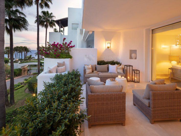 Apartment in the beachfront resort of Marina Puente Romano Golden Mile Marbella
