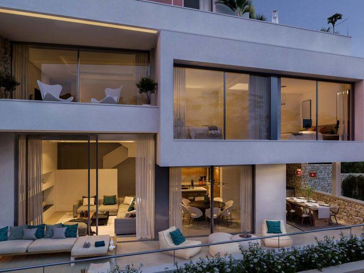 Luxurious ground floor duplex apartment with breathtaking sea views