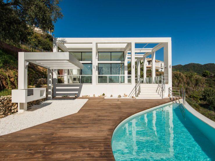 Contemporary quality villa nex to Marbella Club Golf Resort