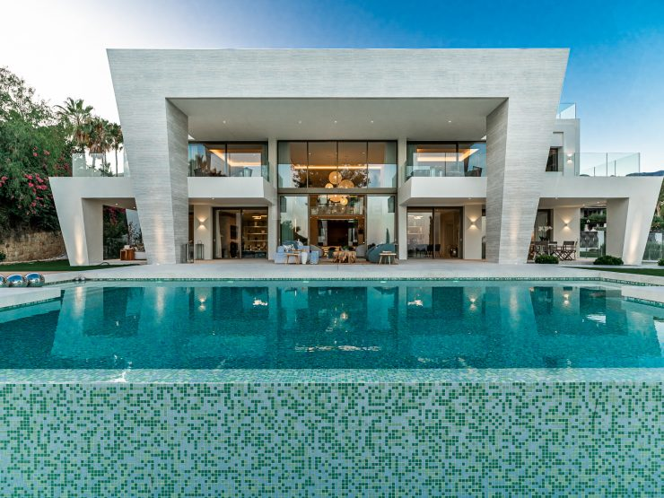REAL ESTATE – MARBELLA – Property of the month September 2020 – The real luxury in SIERRA BLANCA – An Exceptional Villa in Marbella