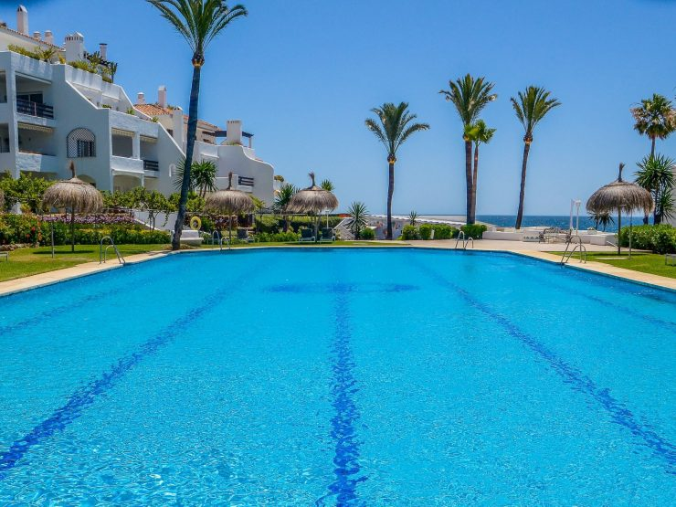 Semi-detached house right on the beach in Marbella