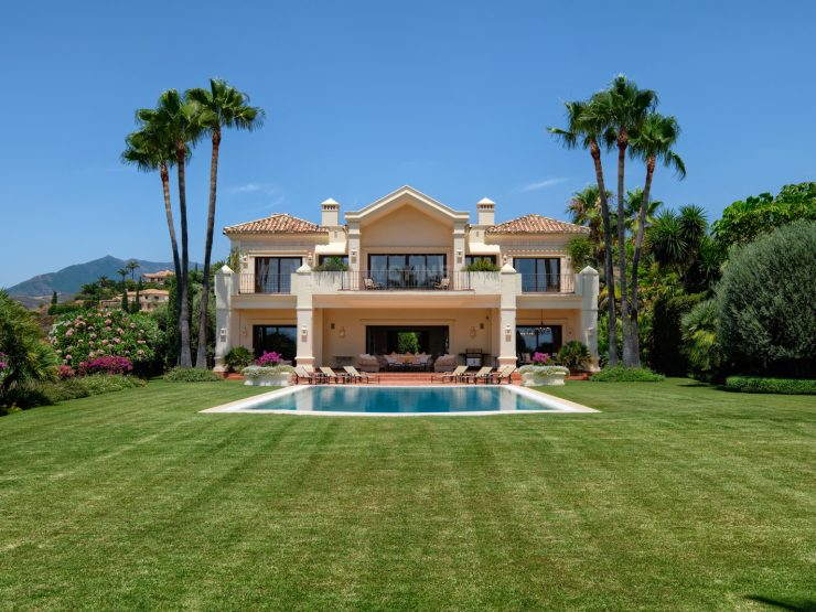 Traditional villa of the highest quality on the Golden Mile Marbella