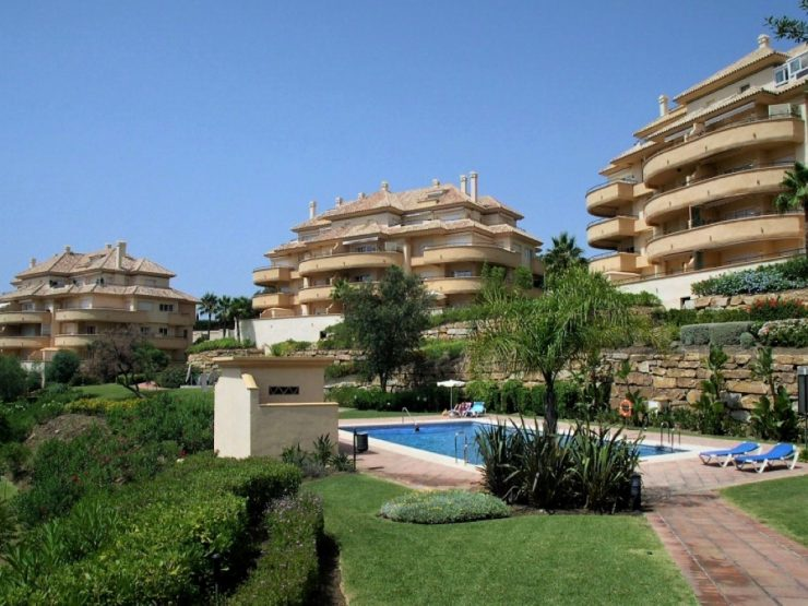 Nice apartment with seeview in Elviria Hills – Marbella