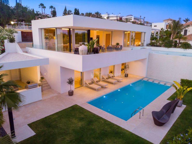 Contemporary new build luxury villa with sea views in La Quinta, Marbella