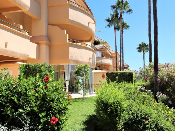 Lovely ground floor apartment in Elviria Hills