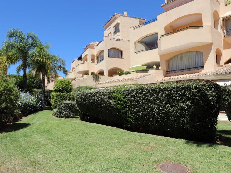 Luxurious garden apartment in Hacienda Elviria